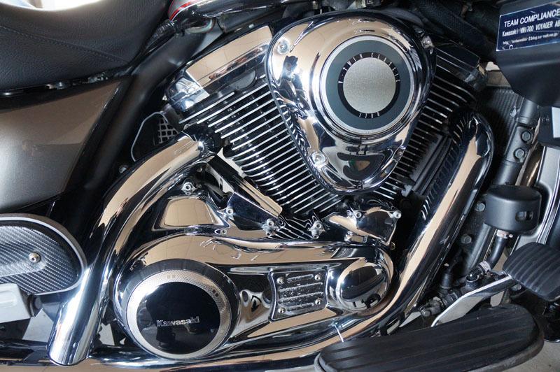 エンジンカバートリム交換 1.JPG