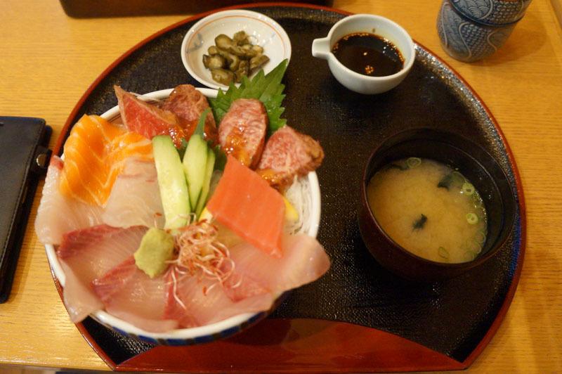 極上海鮮丼 松 1.JPG