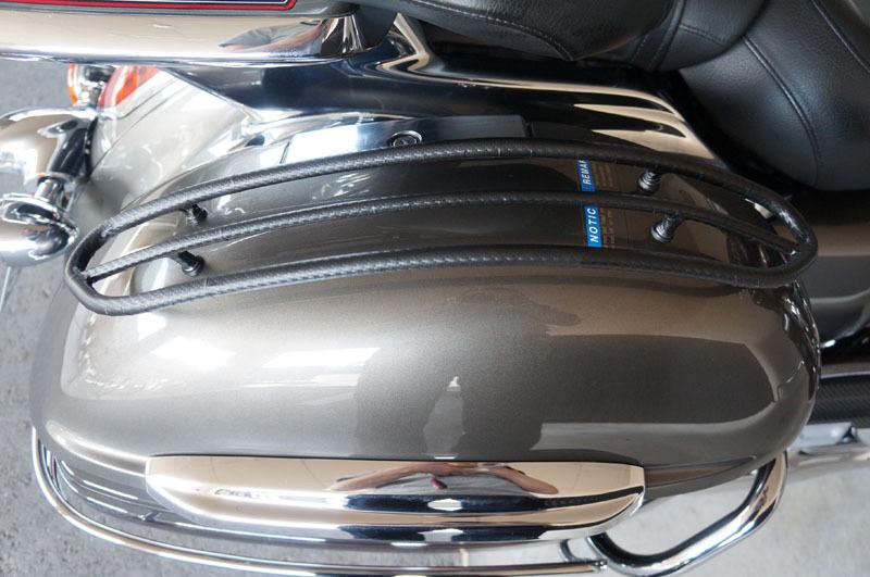 サドルトップトリム カーボンシート 取り付け-2.JPG