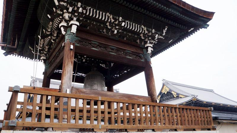 東本願寺 鐘.JPG