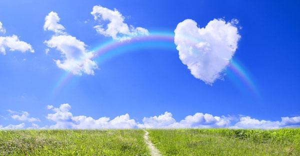 青空とハートの白い雲.jpg